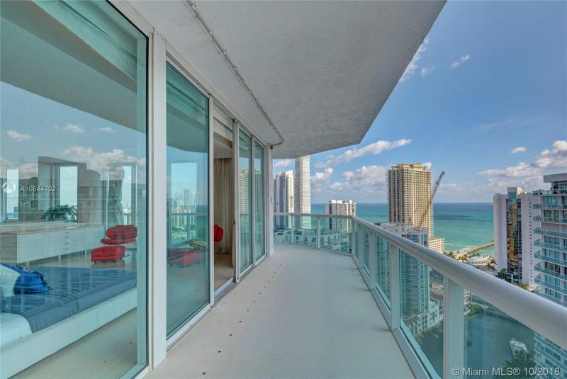 16500 Collins Ave PH-3051, Sunny Isles Beach, FL, 33160