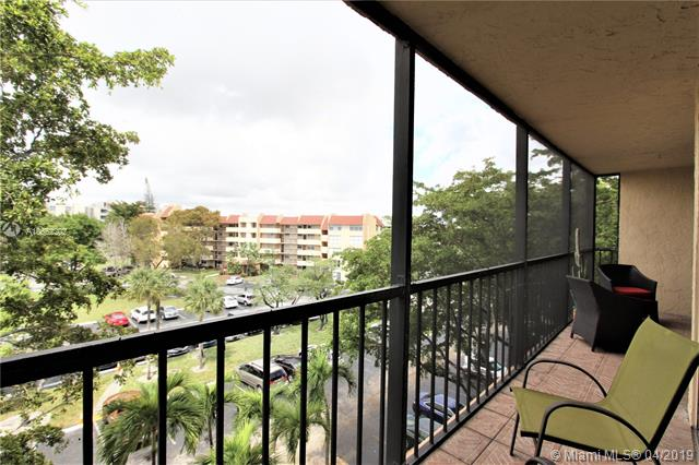 9320 S Hollybrook Lake Dr  Unit 205, Pembroke Pines, FL 33025-1655