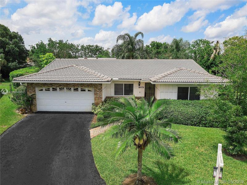 932 83rd Drive, Coral Springs FL 33071-