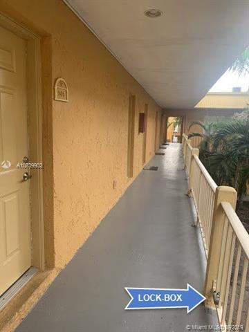 17901 NW 68th Ave T202, Hialeah, FL, 33015