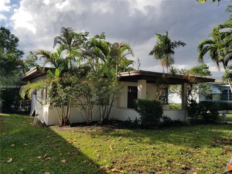 414  Falcon Ave , Miami Springs, FL 33166-3908