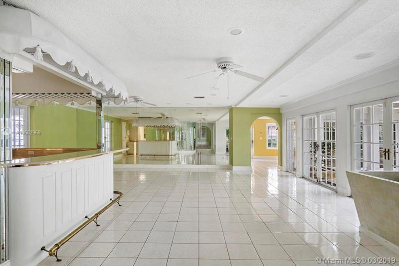 9043 Silver Lake Dr., LEESBURG, FL, 34748
