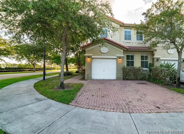 8126 NW 108th Ave , Doral, FL 33178-6047