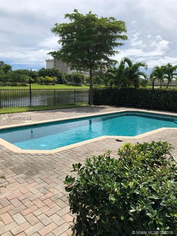 691 NE 193rd Ter,  Miami, FL