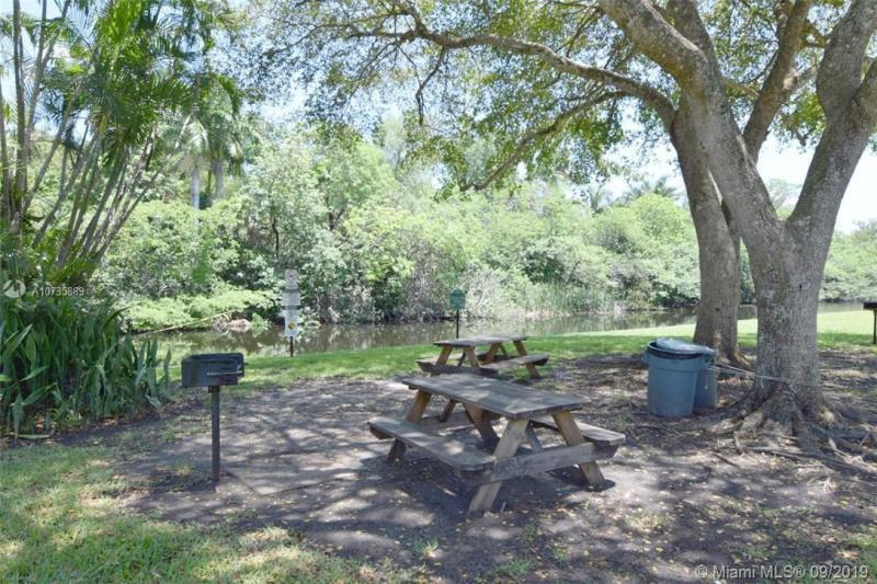 106 Royal Park Dr 2C, Oakland Park, FL, 33309