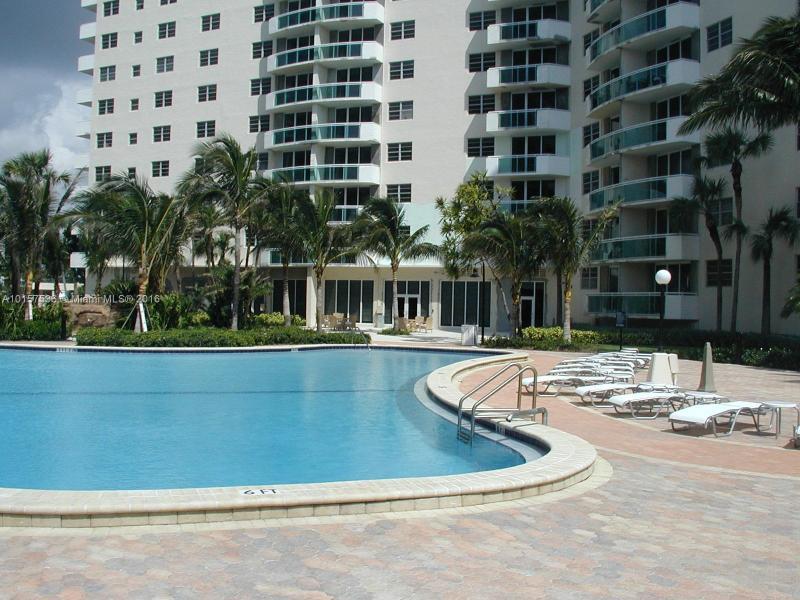 Residences Hwd Beach