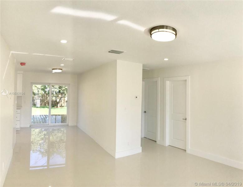 341 NW 53rd Ct  Oakland Park, FL 33309-3252 MLS#A10592636 Image 1