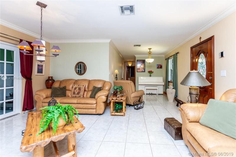 17831 NW 84th Pl, Hialeah, FL, 33015