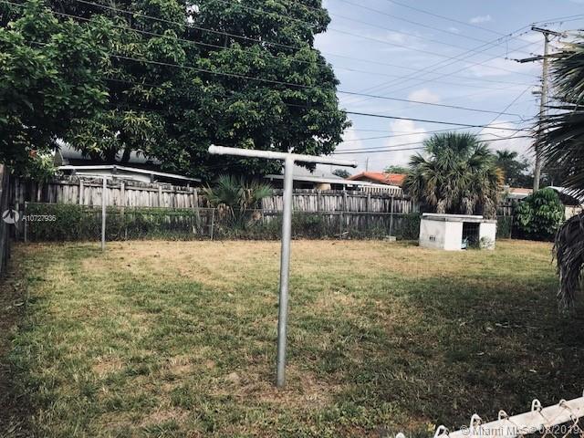 5960 W 9th Ln, Hialeah, FL, 33012