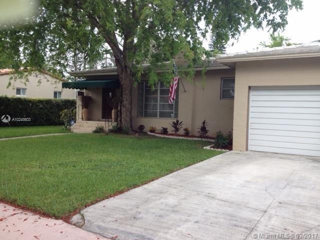 For Sale at  913   Wallace St Coral Gables  FL 33134 - Tamiami Place - 2 bedroom 1 bath A10248603_3