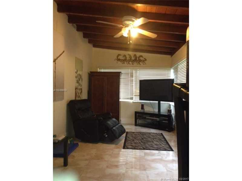For Sale at  913   Wallace St Coral Gables  FL 33134 - Tamiami Place - 2 bedroom 1 bath A10248603_7