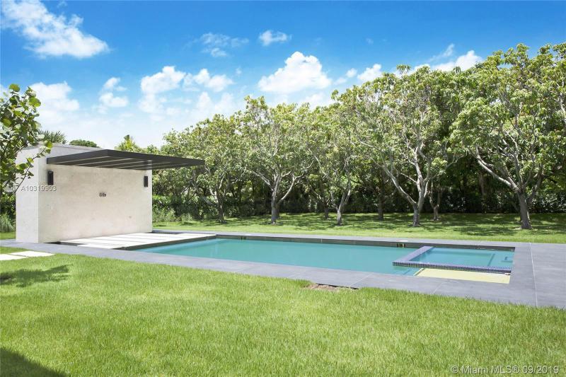 Single Family Homes Photo 19: 8970 SW 63 COURT  Pinecrest,  FL 33156