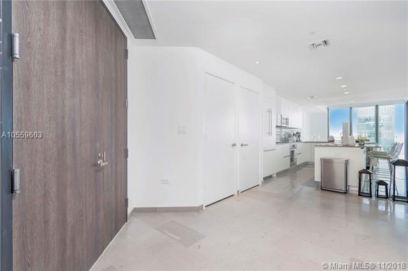 RISE CONDO Rise Condominium