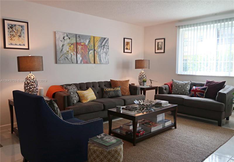 1280 NE 105th St , Miami Shores, FL 33138-2146