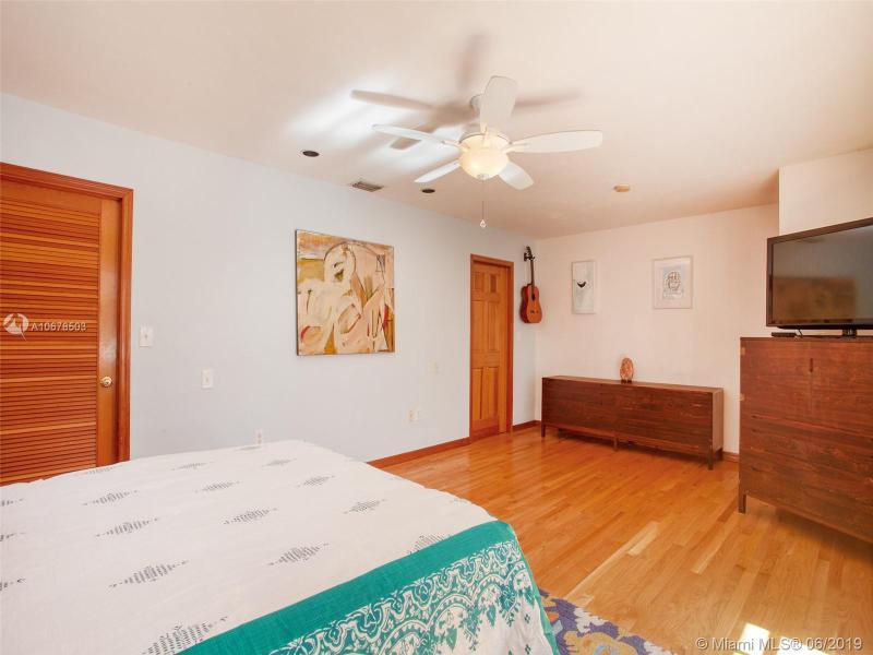 978 NE 115th St, Biscayne Park, FL, 33161