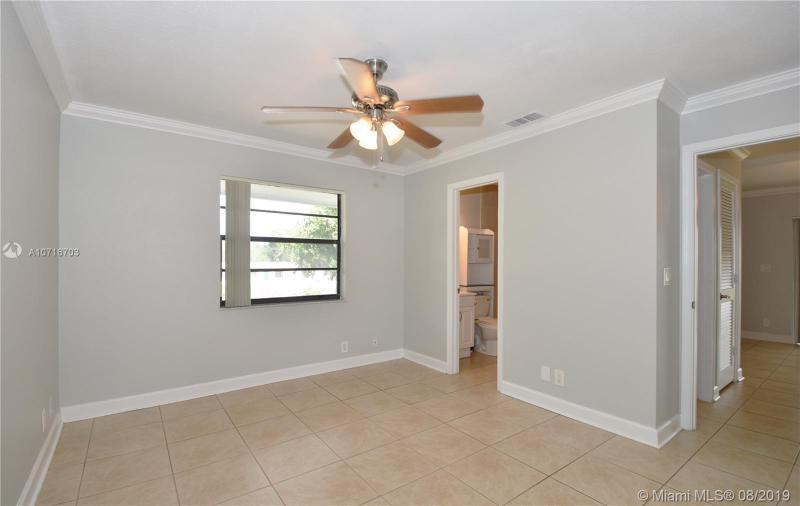 1401 NE 53rd St 207, Fort Lauderdale, FL, 33334