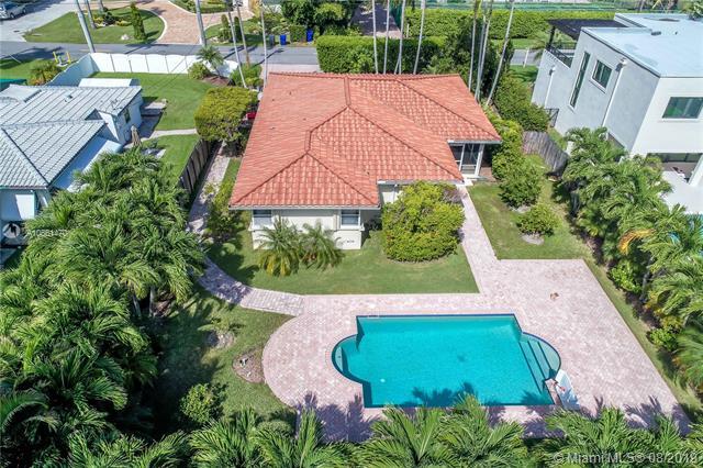 1320 Polk St, Hollywood FL 33019-1037