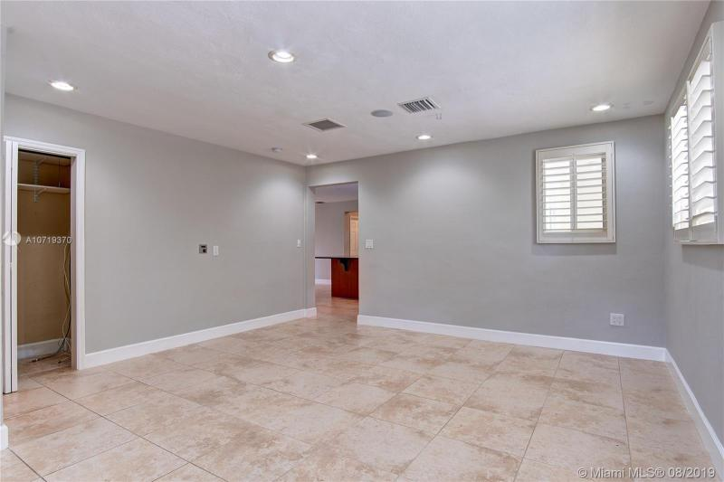 1611 NE 34th Street, Oakland Park, FL, 33334