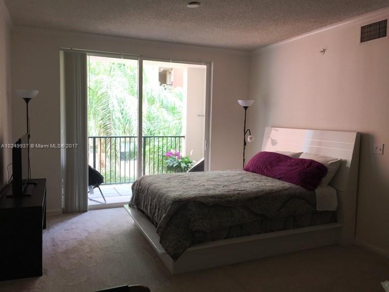 17150 N Bay Rd  Unit 2322, Sunny Isles Beach, FL 33160-3425
