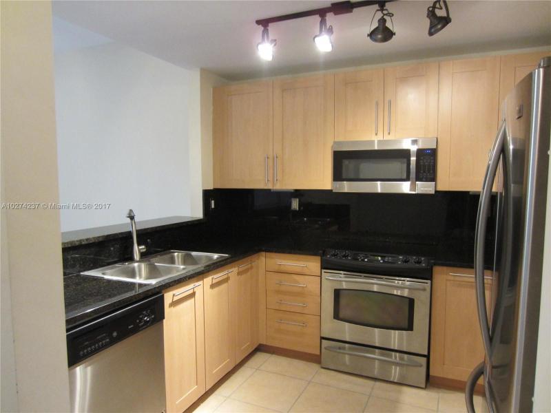 511 SE 5th Ave  Unit 620 Fort Lauderdale, FL 33301-2952 MLS#A10274237 Image 4
