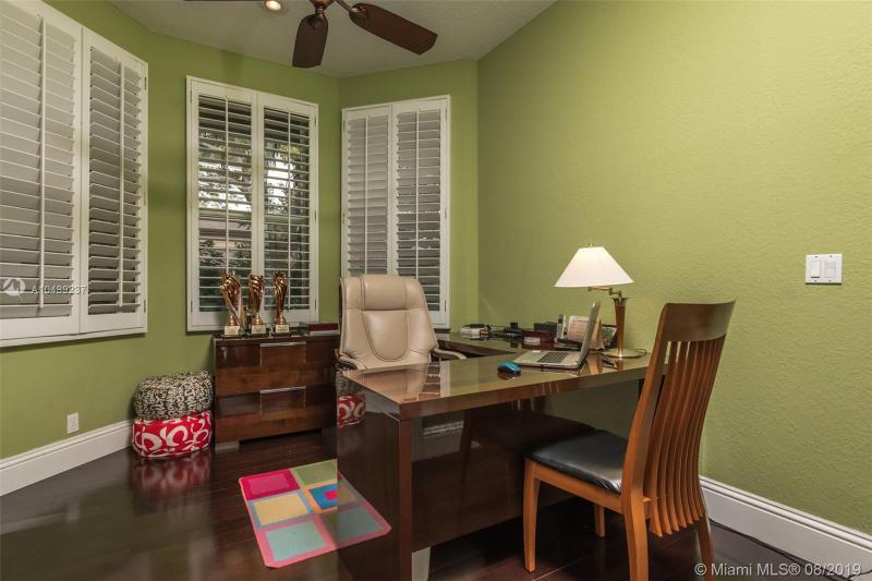 2915 Paddock Rd, Weston, FL, 33331