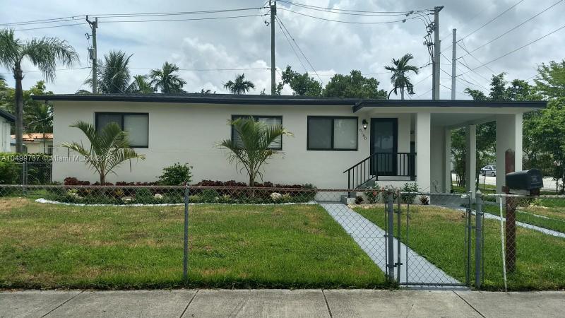 6180 SW 17th St , West Miami, FL 33155-2127