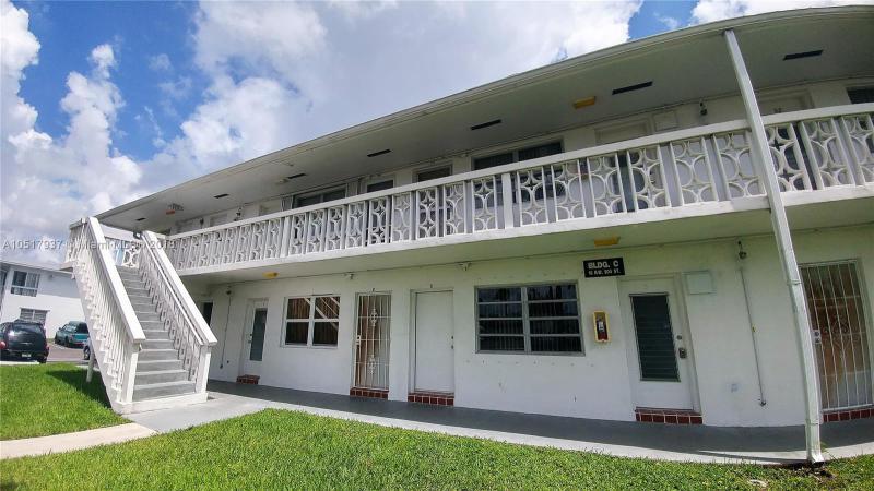 20003 NW 52 CT , Miami Gardens, FL 33055-