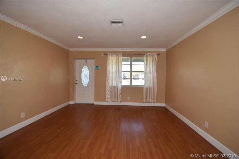 100 NW 38th St, Oakland Park, FL, 33309