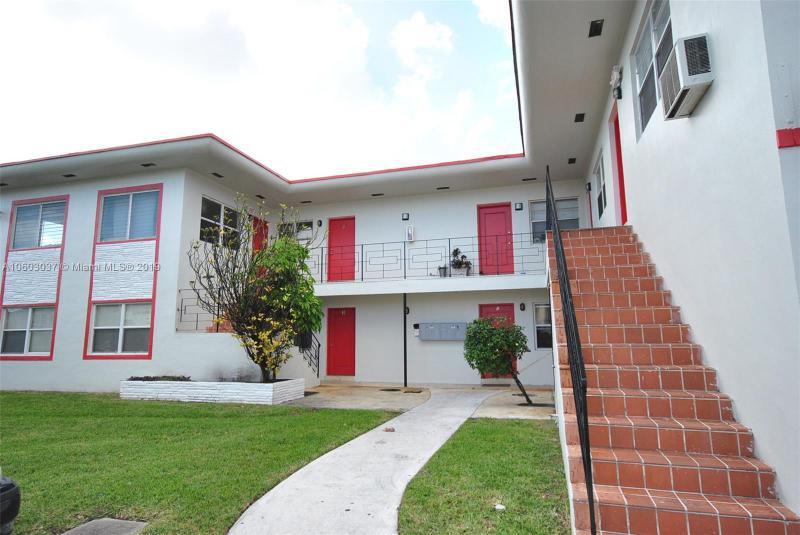 16950 W DIXIE HWY  Unit 427, North Miami Beach, FL 33160-