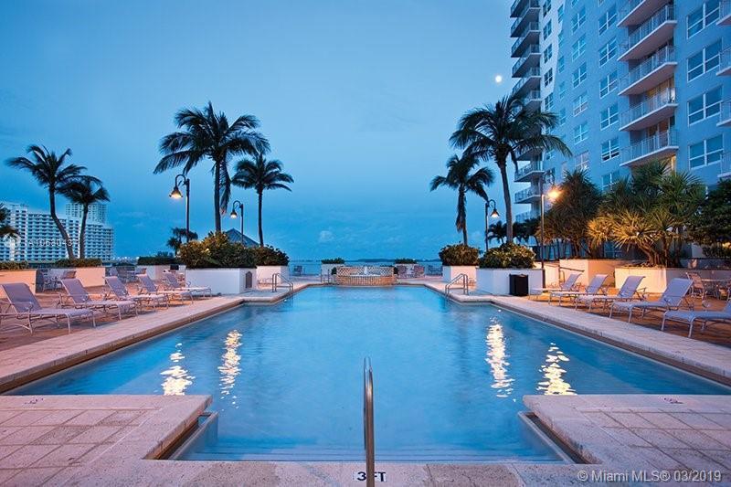 55 SW 9th St,  Miami, FL