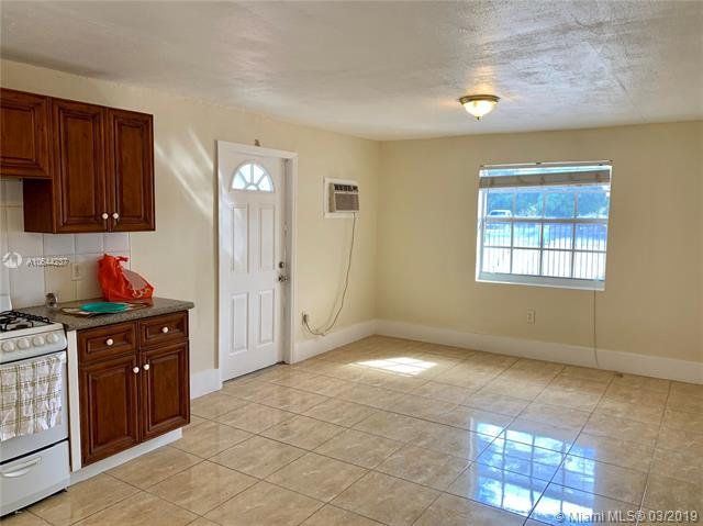 10440 NW 31st Ave  Miami, FL 33147-1132 MLS#A10644237 Image 3