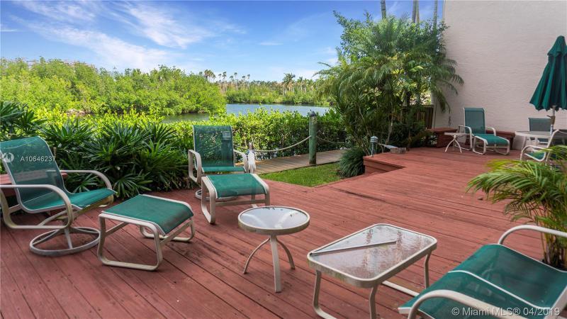 6110 Paradise Point Dr 6110, Palmetto Bay, FL, 33157