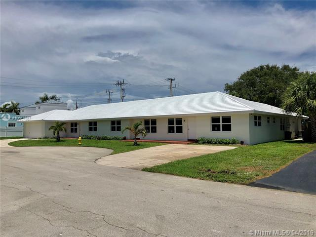 1900 28th Court, Lighthouse Point FL 33064-