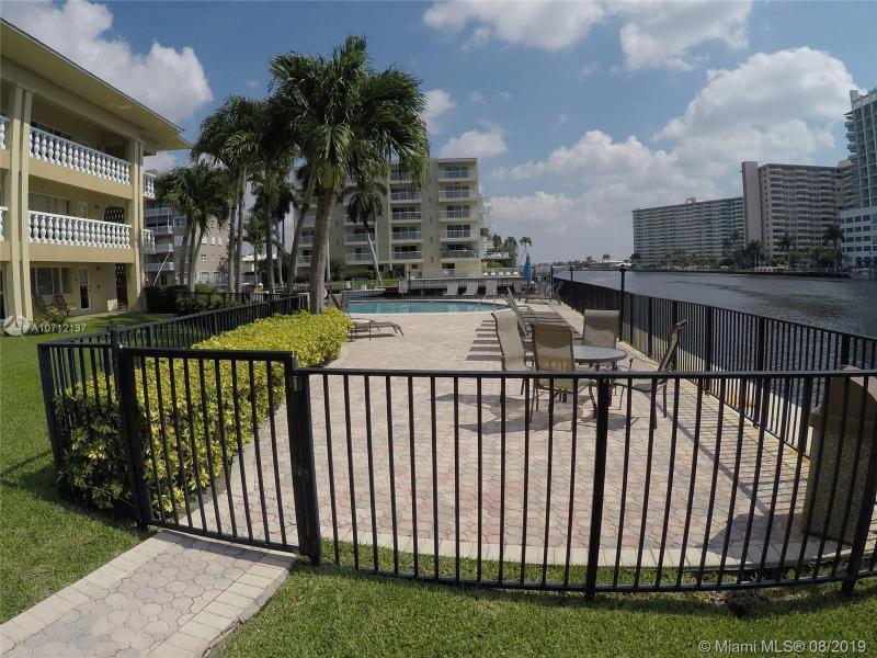 2881 NE 32nd St 212, Fort Lauderdale, FL, 33306