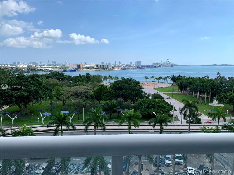 50  BISCAYNE BL,  Miami, FL