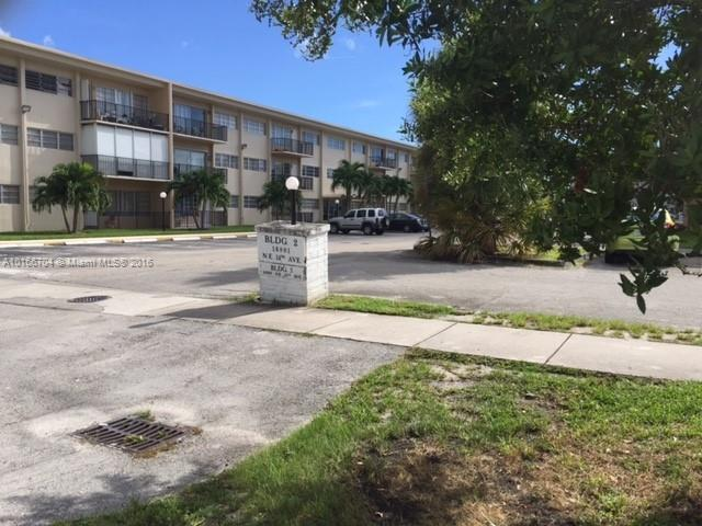 3046 27th St , Miami, FL 33142