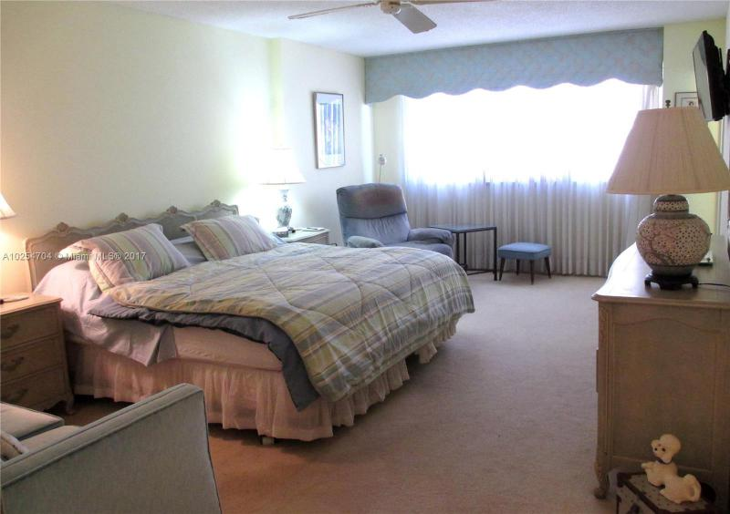For Sale at  9511   Collins Ave #603 Surfside FL 33154 - 9500 Oceans Condo - 2 bedroom 2 bath A10254704_8