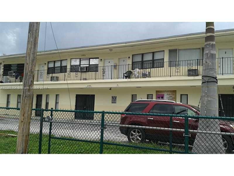 1096 NE 157th St , North Miami Beach, FL 33162-5332