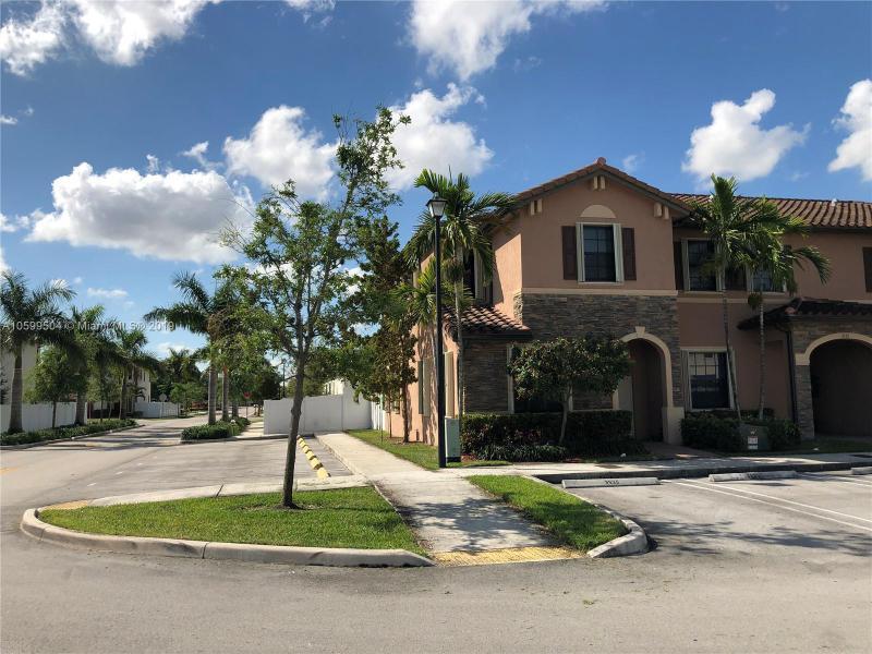 9307 NW 121st St  Unit 77, Hialeah Gardens, FL 33018-4219