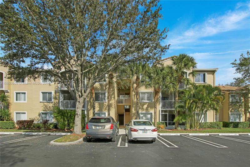 284 Village Boulevard, Tequesta FL 33469-