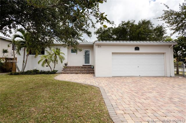 8350 SW 18th St,  Miami, FL