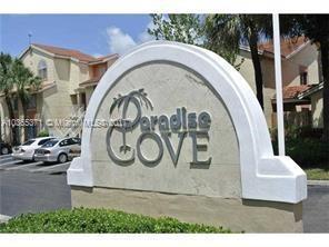 1242  The Pointe Dr , West Palm Beach, FL 33409-1929