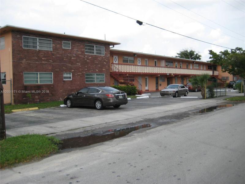 942 NE 199th St  Unit 405, Miami, FL 33179-3056