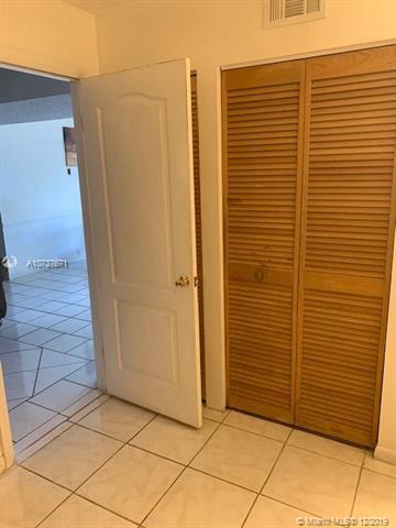 17000 NW 67th Ave 122, Hialeah, FL, 33015
