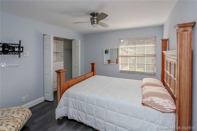 1040 NW 185th Ter, Pembroke Pines, FL, 33029