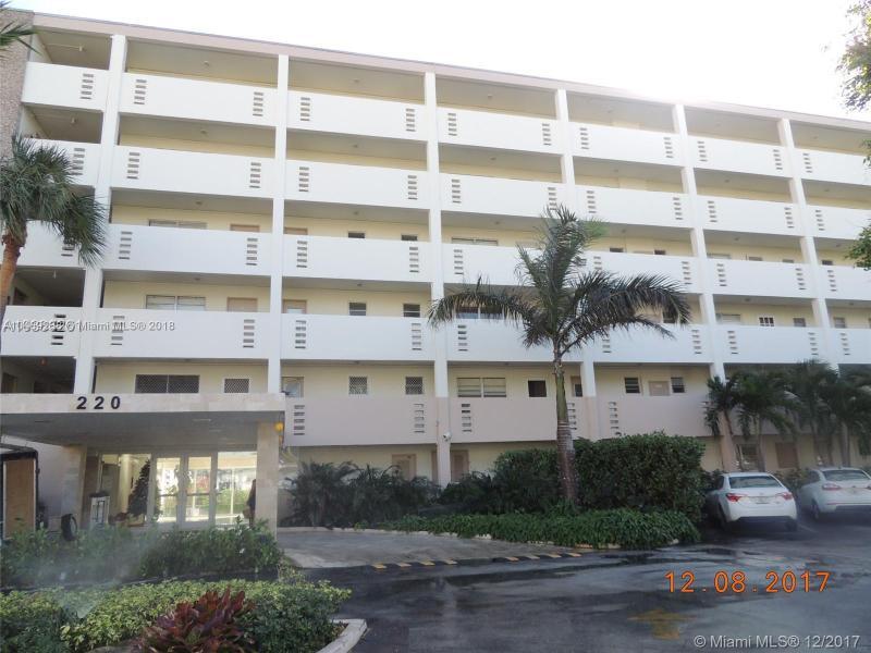 17011 N Bay Rd  Unit 516, Sunny Isles Beach, FL 33160-3631