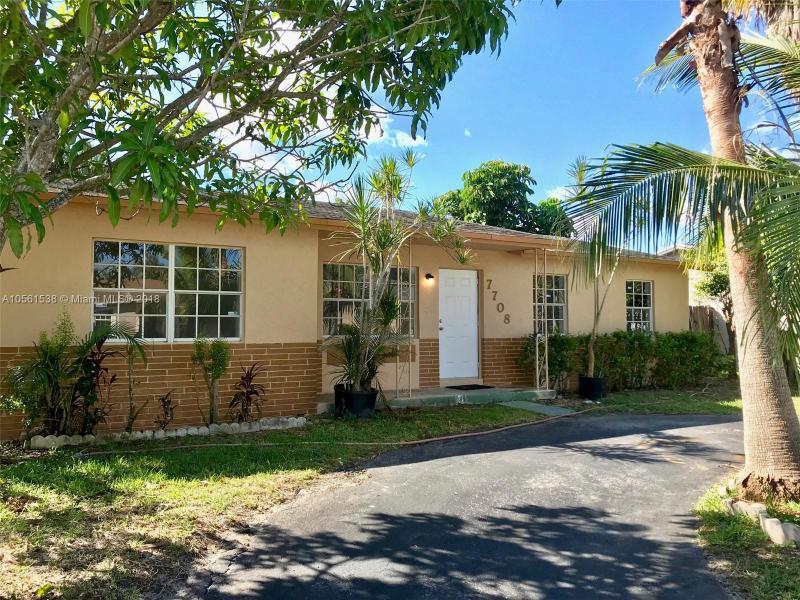 NORTH LAUDERDALE VILLAGE - North Lauderdale - A10561538