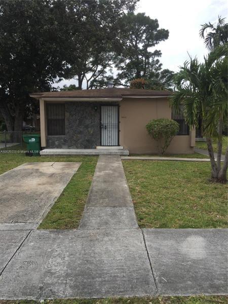 21301 NW 37 Avenue , Miami Gardens, FL 33056-