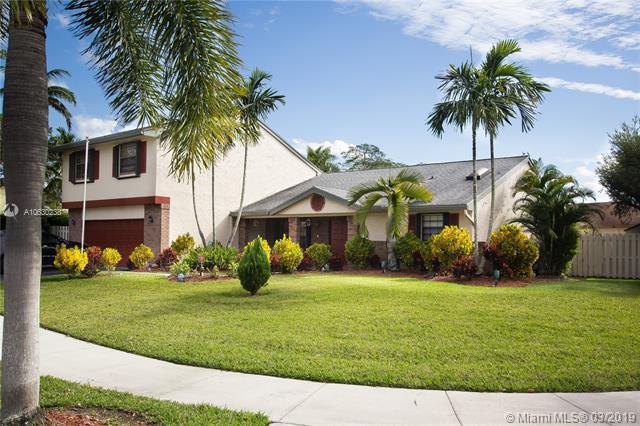 14070  Oak Ridge Dr , Davie, FL 33325-3000