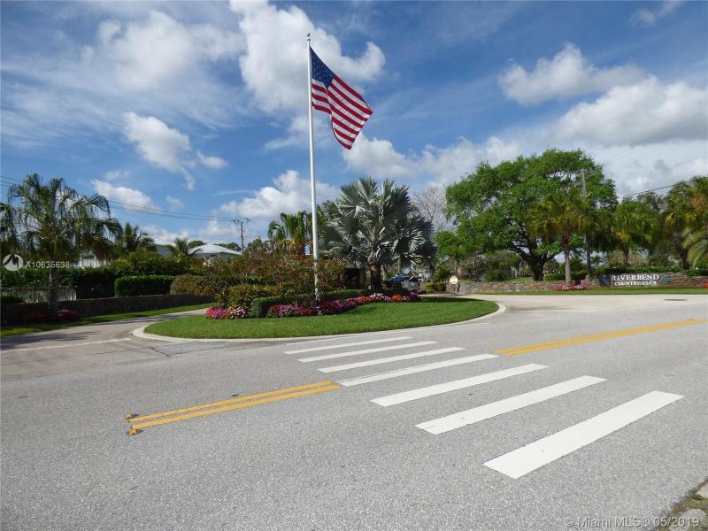 18400 SE Wood Haven Ln  Tequesta, FL 33469-1174 MLS#A10635638 Image 2